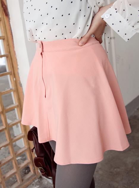 粉色衬衣搭配裙子