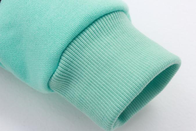 韩版绿手绘手指爱心印花套头衫
