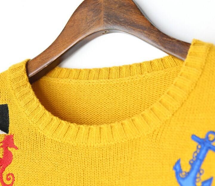 刺绣图案毛衣