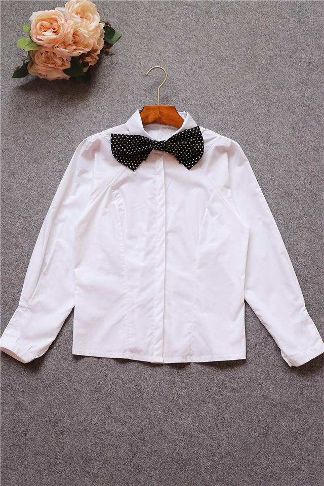 领口蝴蝶结打底衬衫