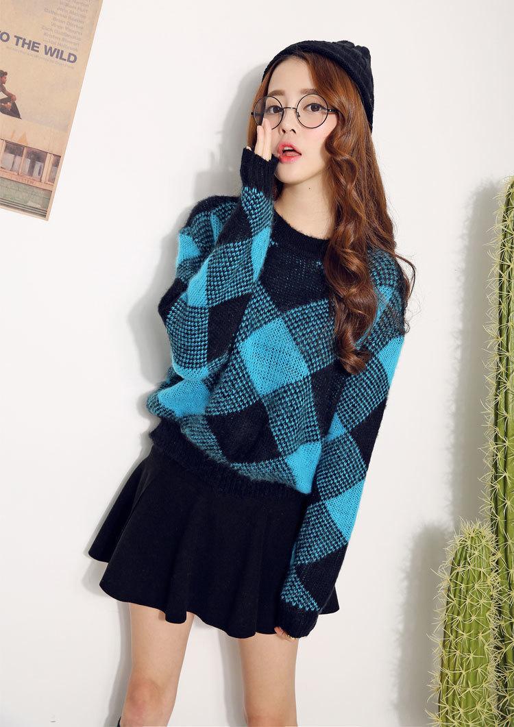 甜美菱形格毛衣