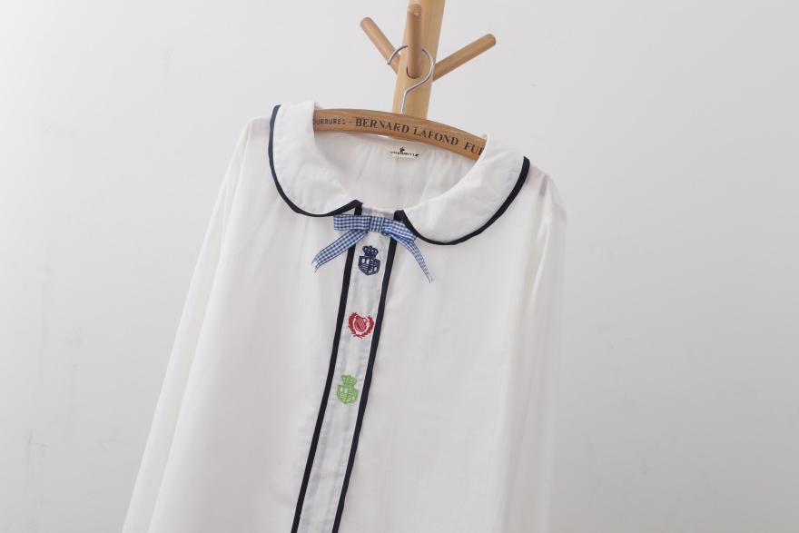 萌妹 日系学院风娃娃领长袖衬衫