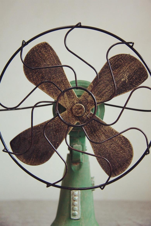 【绿色复古做旧系列电风扇】-家居-摆件