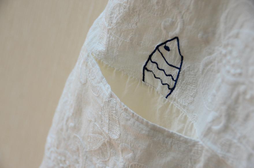 卡通童趣棉布刺绣猫咪脚印棉布衫