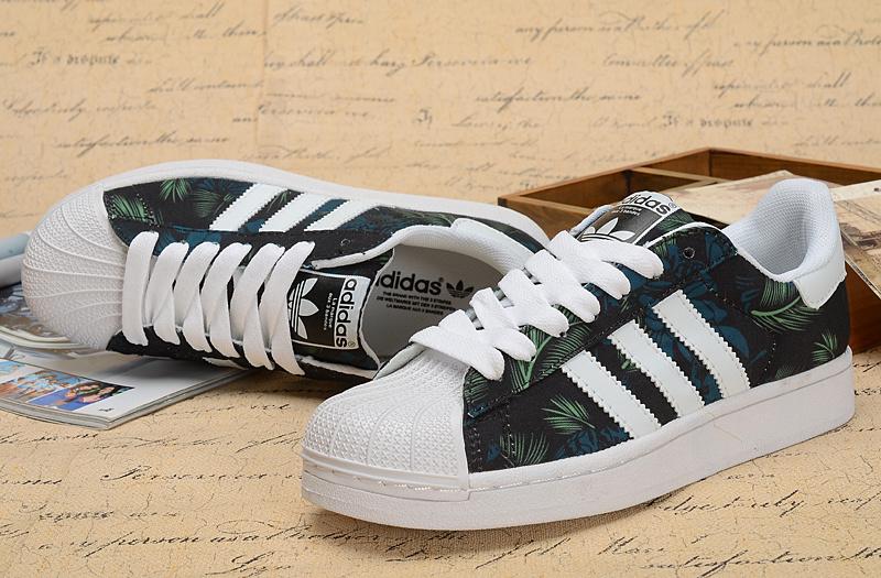 西瓜头黑色椰绿板鞋