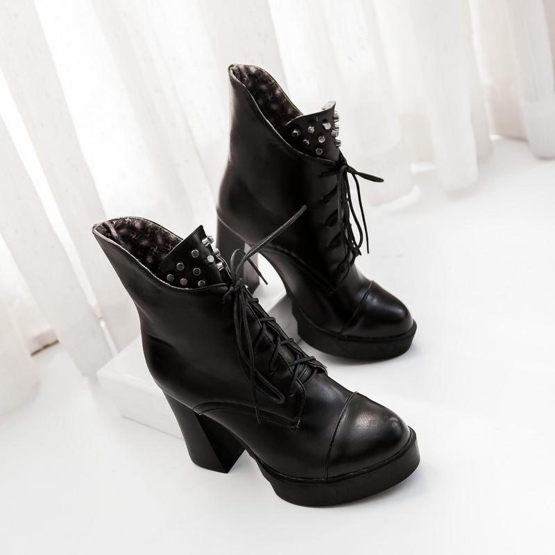 【《洛丽塔》英伦范系带粗跟短靴】-鞋子-靴子_女鞋