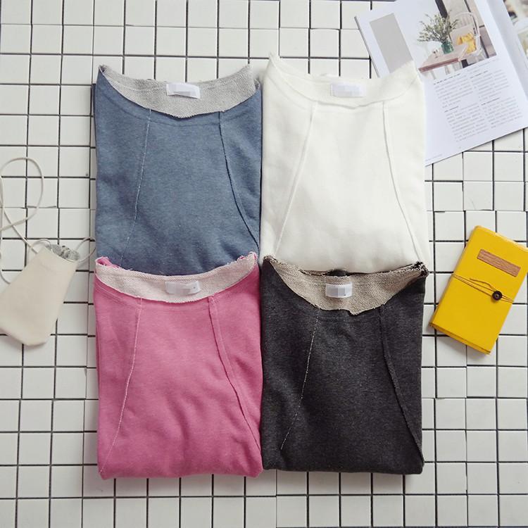 卫衣为宽松版型 两边有口袋 袖子很特别 袖口那边是收起来的 像是灯笼