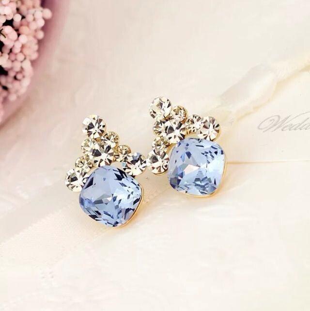 时尚清新宝石水晶耳钉整体款式图片