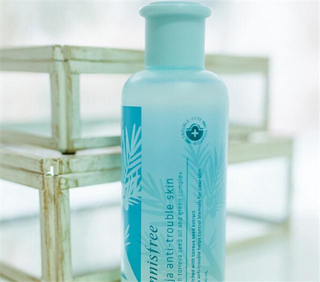 护肤品 化妆品 瓶子 640_564